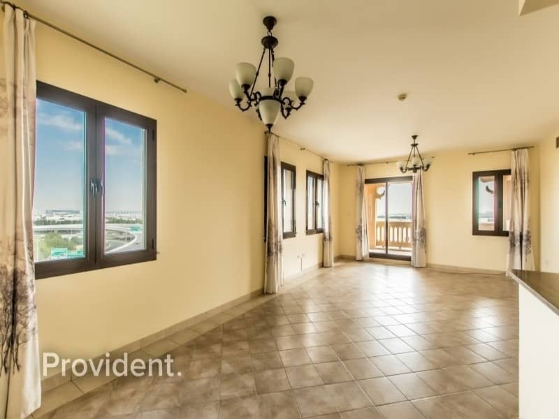 2 Hot Deal- 2B/R+M | Vacant and High-end Unit