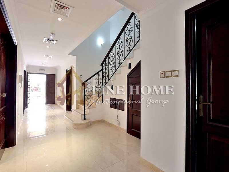 2 Outstanding 6BR Villa With People Pleasing Balcony