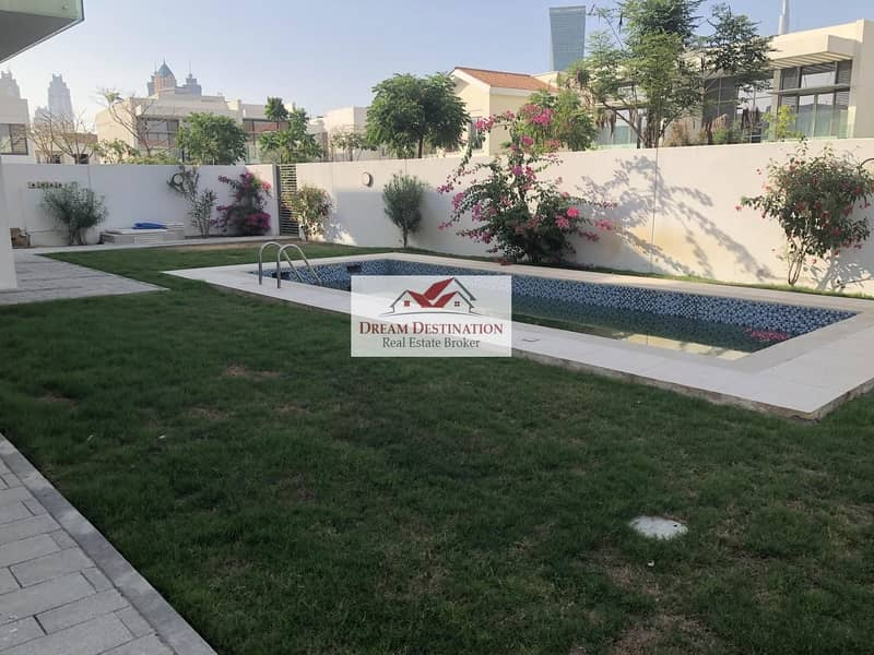2 Landscaped I 4 Bedroom Mediterranean Villa in D1