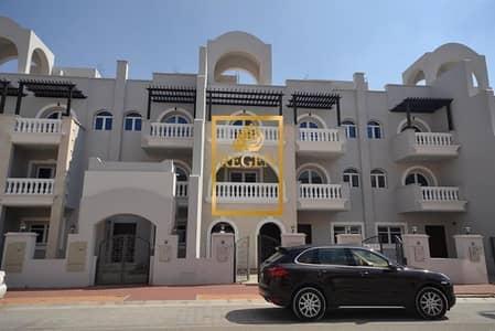 تاون هاوس 4 غرف نوم للايجار في قرية جميرا الدائرية، دبي - Four Bedroom Hall Park Facing Townhouse in Seasons Community For Rent