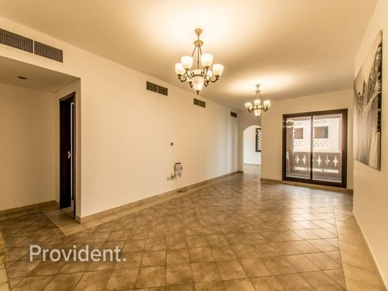 2 Extra Large 2-Bed with Maid's room | Sophisticated