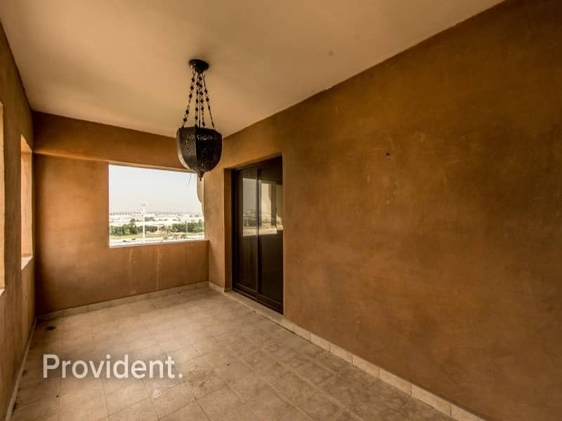 24 Extra Large 2-Bed with Maid's room | Sophisticated
