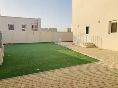 4 Bedroom Villa for Rent in Barashi, Sharjah - Spacious Four Bedroom Villa with Kitchen Appliances for Rent in Al Barashi