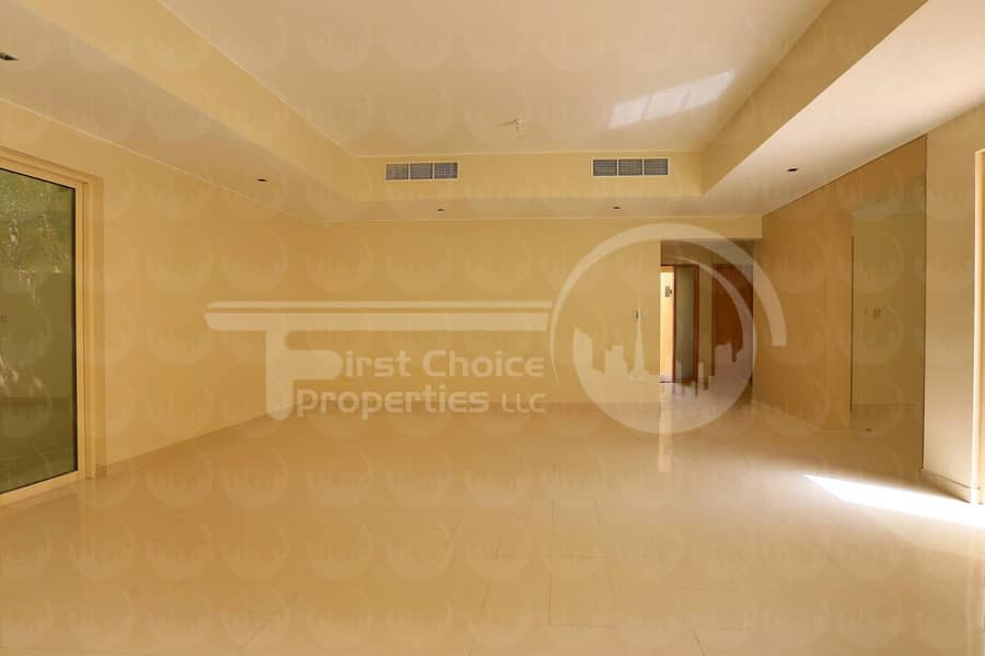 2 Own this Prestigious Villa in Raha!Call us!