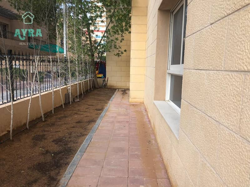 11 MASSIVE AND SPACIOUS ONE BEDROOM WITH PRIVATE GARDEN FOR ONLY 40K!