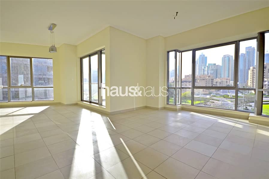 2 640 sq.ft | Park and Khalifa View | Chiller Free