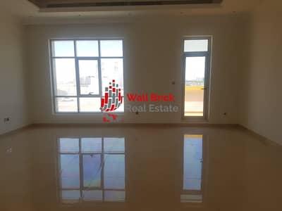 تاون هاوس 5 غرف نوم للايجار في البرشاء، دبي - Stunning Family Home In A Great Location