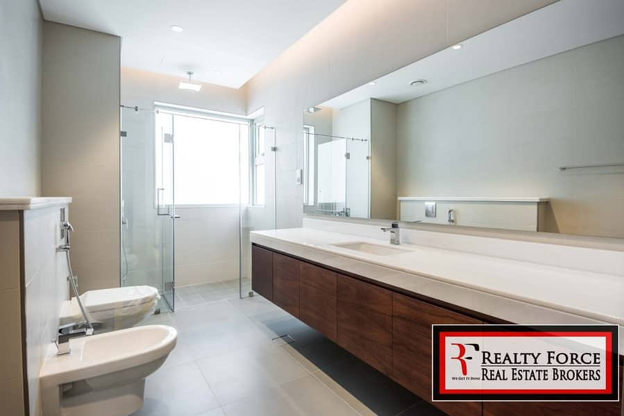 26 TYPE B WITH ELEVATOR | 5BR CONTEMPORARY