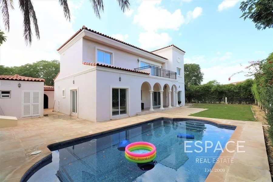 Cul De Sac | Private Pool | Corner Villa