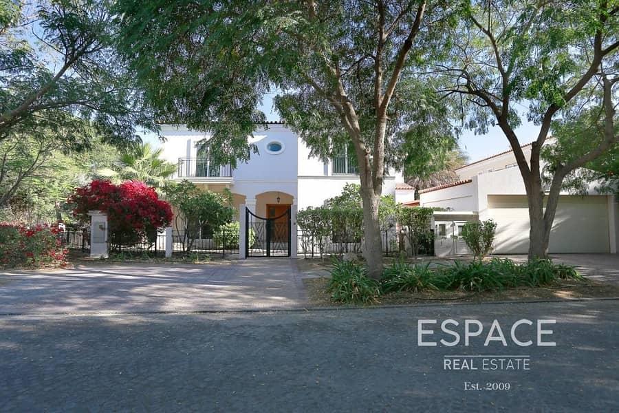 2 Cul De Sac | Private Pool | Corner Villa