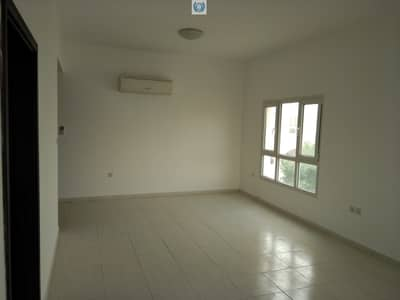 3 Bedroom Villa for Rent in Al Jazzat, Sharjah - Five years old three bedroom villa with huge plot and parking in  Al Jazat Sharjah