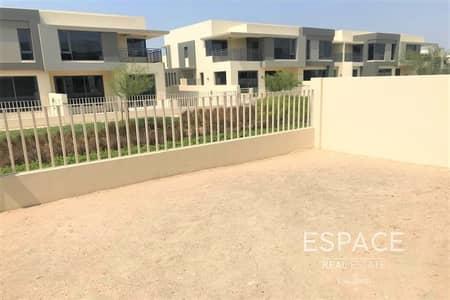 3 Bedroom Villa for Sale in Dubai Hills Estate, Dubai - Exclusive  3 bed middle unit  Single Row