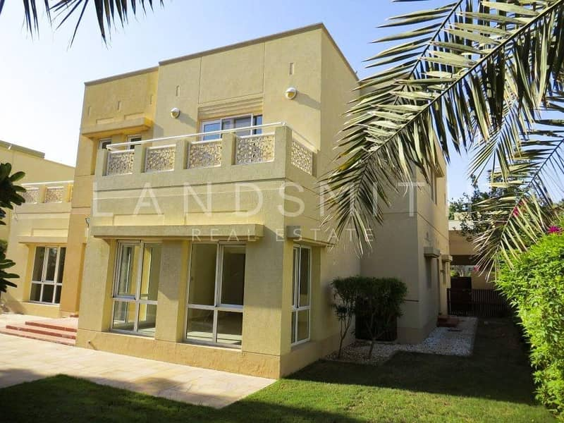 2 Lake View BR villa with Private Pool in Meadows 3