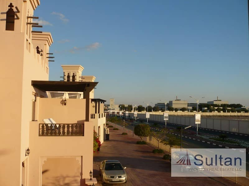 12 Spectacular 3 Bed Pool View Great Price