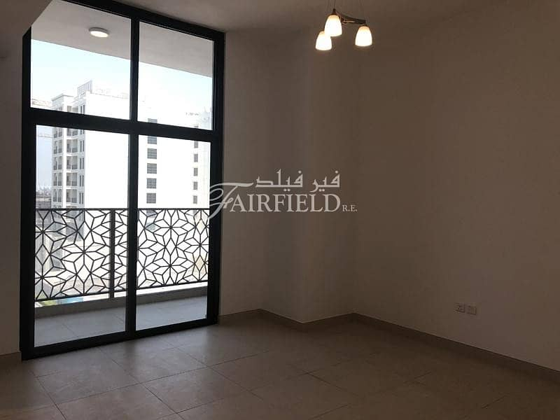 Well Maintained lovely 1 Br Apt
