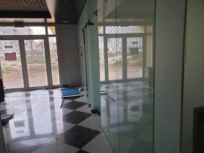 محل تجاري  للايجار في المدينة العالمية، دبي - محل تجاري في الحي الصيني المدينة العالمية 95000 درهم - 4464042
