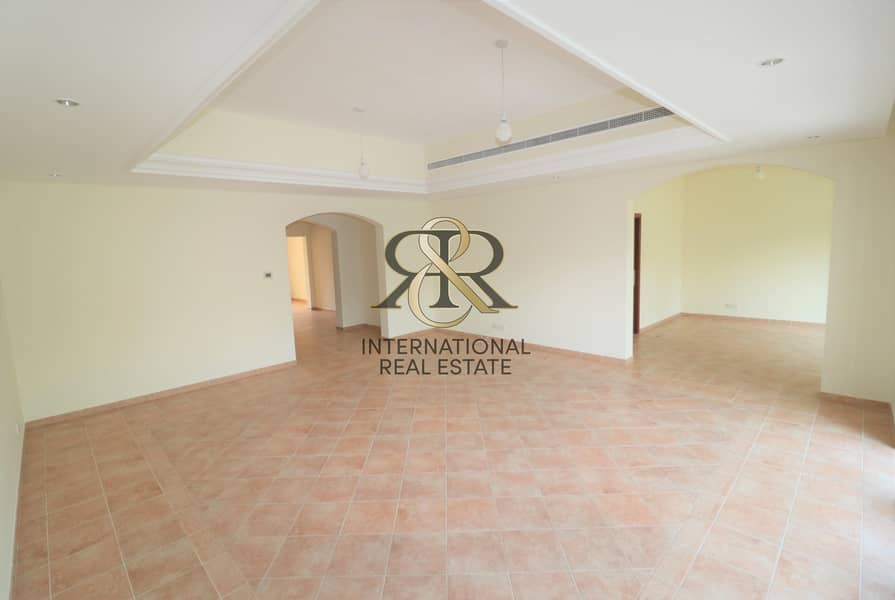 Spacious 4 Bedroom Villa in Green Community.