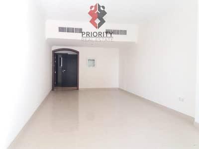 شقة 2 غرفة نوم للايجار في الخليج التجاري، دبي - Large 2 BHK Apartment | Burj and Lake View.