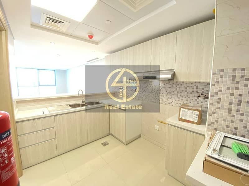 16 Sure to Impress- 1BR Apt with Sea View & Balcony!