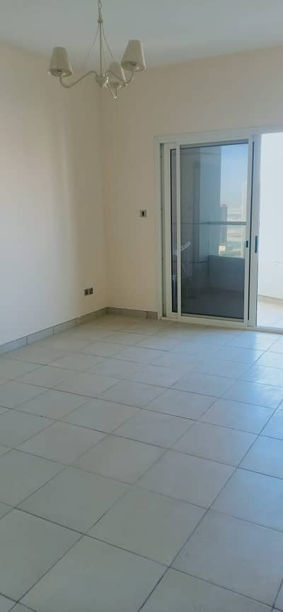 Apartment in Asas Tower with Free Parking