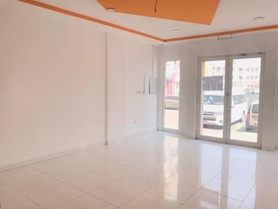 محل تجاري  للايجار في المدينة العالمية، دبي - محل تجاري في الحي الإسباني المدينة العالمية 24000 درهم - 4464556