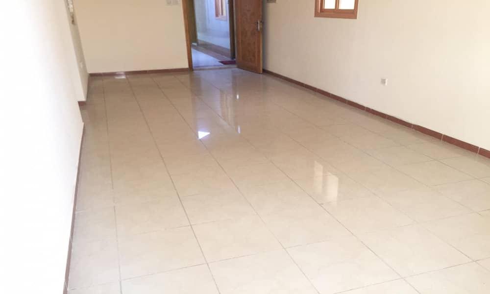 شقة في شارع الملك فيصل 2 غرف 23000 درهم - 4464848