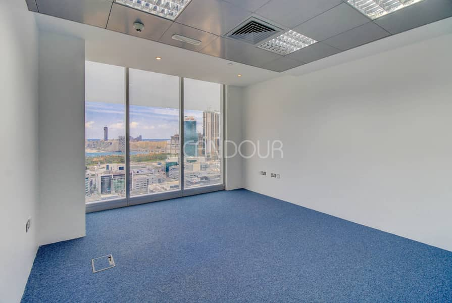 2 Luxury Office Fitted Partitioned On High Floor