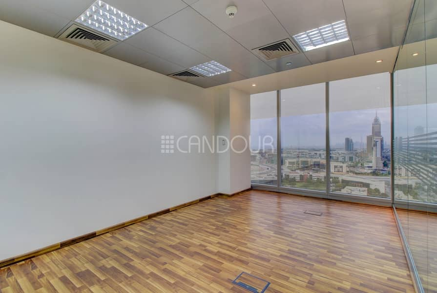 2 Pitch Perfect Location Fitted Partition High Floor