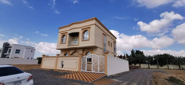 6 Bedroom Villa for Sale in Al Helio, Ajman - Villa for sale three floors 6 master bedrooms