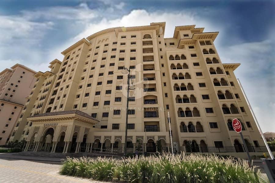 Full building for sale in Jumeirah Golf Estates