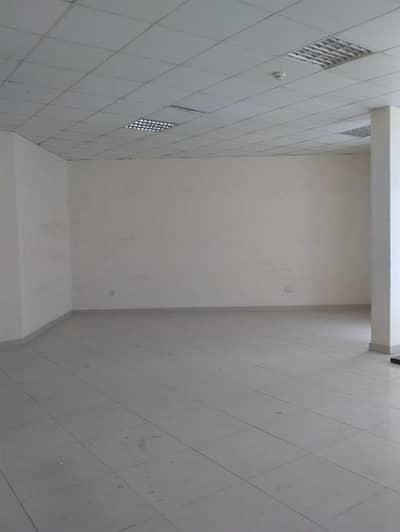محل تجاري  للايجار في المدينة العالمية، دبي - محل تجاري في الحي البريطاني المدينة العالمية 60000 درهم - 4468940