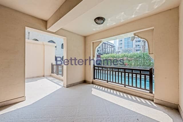 2 3 Bedrooms Apartment in  Old Town