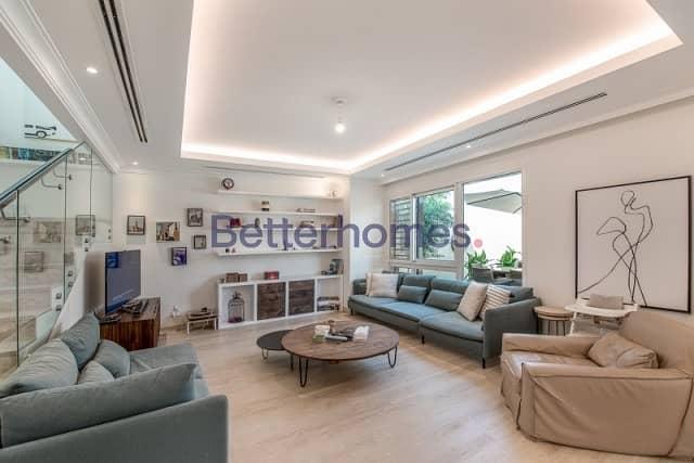 2 4 Bedrooms Villa in  Al Barsha