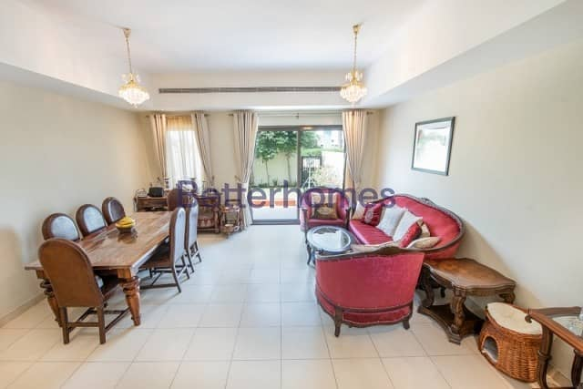 3 Bedrooms Villa in  Reem