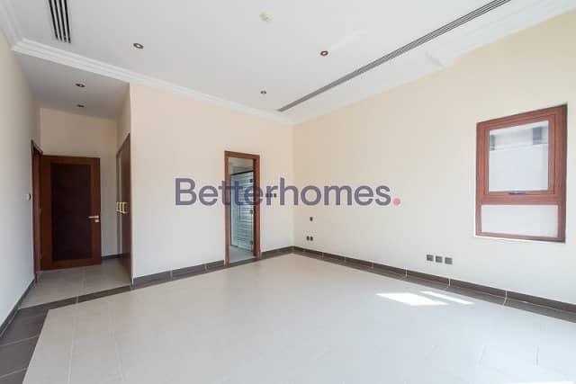 6 Bedrooms Villa in  Jumeirah Golf Estates