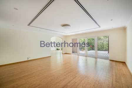 4 Bedrooms Townhouse in  Green Community