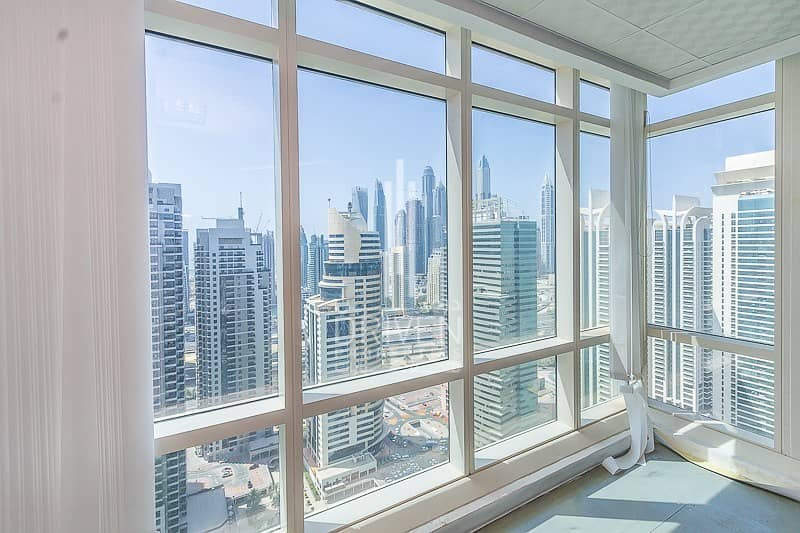 Amazing fitted office high floor in Liwa