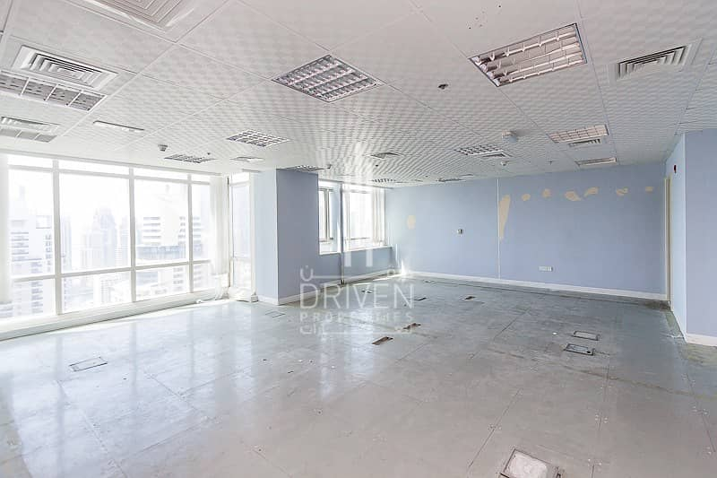 2 Amazing fitted office high floor in Liwa