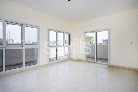 2 Bedroom Flat for Sale in Muwaileh, Sharjah - Corner spacious unit with L-shape garden