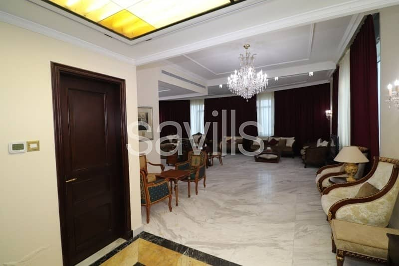 15 Luxury furnished penthouse with sea view