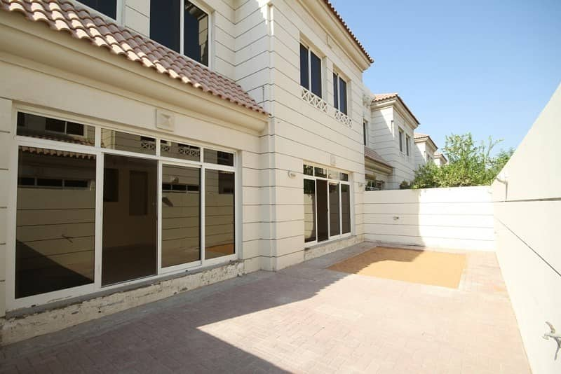 12 Reduce Price | Corner Villa| One Month Free| 3 Beds+ Study
