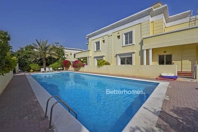 4 Bedrooms Villa in  Al Badaa
