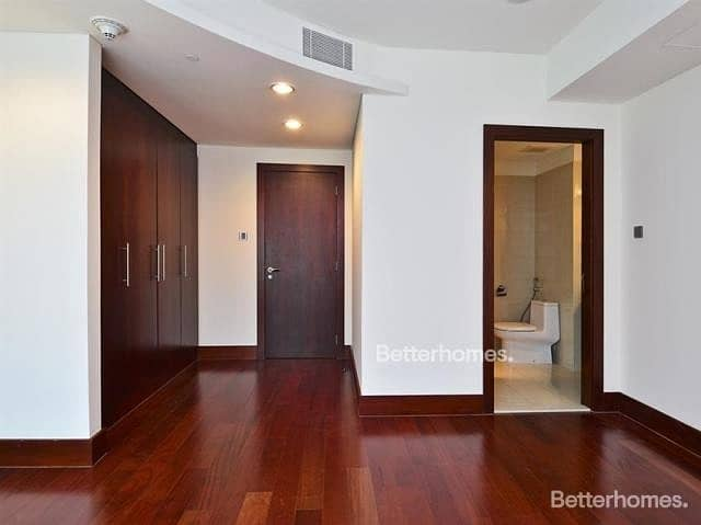 10 3 Bedrooms Apartment in  World Trade Centre