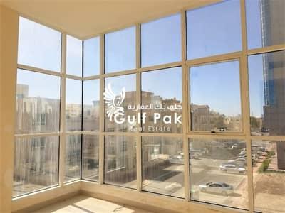 شقة في المشرف 2 غرف 70000 درهم - 4470382