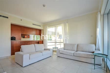 1 Bedroom Flat for Rent in The Views, Dubai - Lake Views | Excellent Condition | Open Kitchen