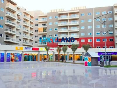 3 Bedroom Apartment for Rent in Al Reef, Abu Dhabi - Closed Kitchen   3+Maid w/ Large Balcony