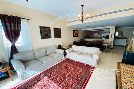 2 Bedroom Flat for Sale in The Greens, Dubai - Bright Apartment | Pool View | 2 Bedroom
