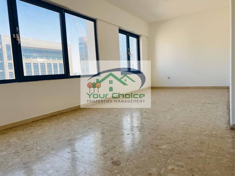 SHARING  Bright & Spacious 3 Bedroom with Balcony for 70