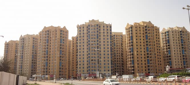 2 Bedroom Apartment for Sale in Ajman Downtown, Ajman - Spacious 2 Bedroom Hall (1,813sq. ft. ) + Maid's rm. w/ road view in Al Khor Tower Ajman