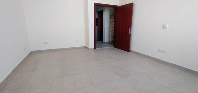 شقة 2 غرفة نوم للايجار في مصفح، أبوظبي - 2 غرفة نوم شقة متاحة في الشعبية 10 ، المصفح أبوظبي